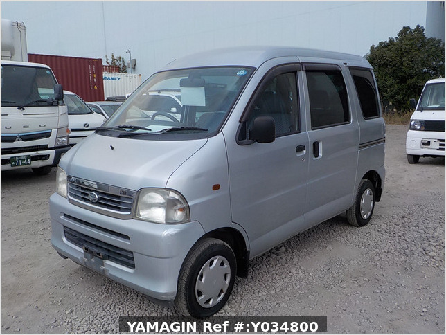 It is a picture of the silver daihatsu hijet passenger van in 2002,Sub Photo 1 Stock No.Y034800