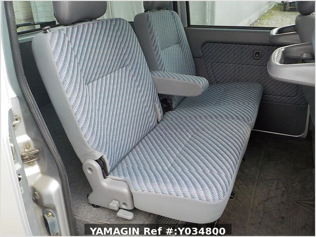 It is a picture of the silver daihatsu hijet passenger van in 2002,Sub Photo 13 Stock No.Y034800