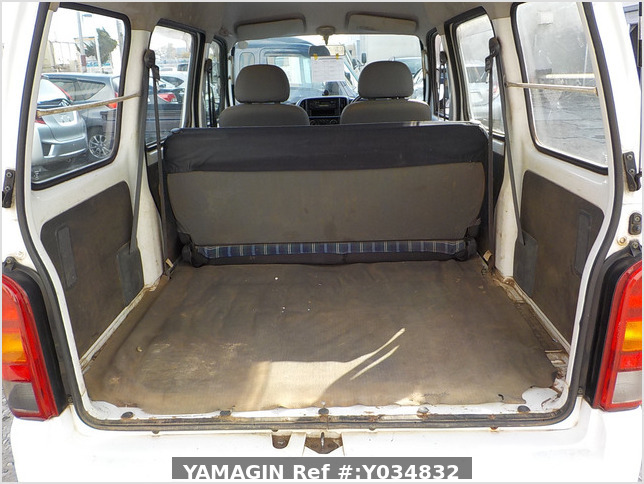 It is a picture of the white suzuki every passenger van in 2005,Sub Photo 4 Stock No.Y034832