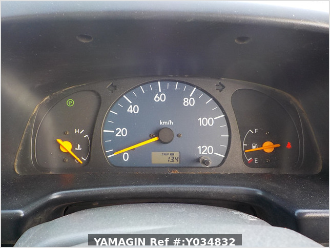 It is a picture of the white suzuki every passenger van in 2005,Sub Photo 10 Stock No.Y034832