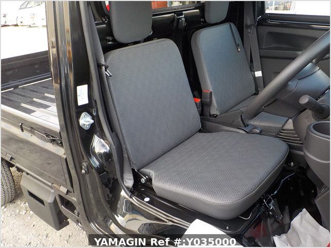 It is a picture of the black daihatsu hijet  truck in 2020,Sub Photo 13 Stock No.Y035000