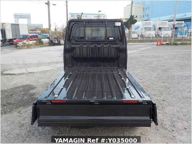 It is a picture of the black daihatsu hijet  truck in 2020,Sub Photo 4 Stock No.Y035000