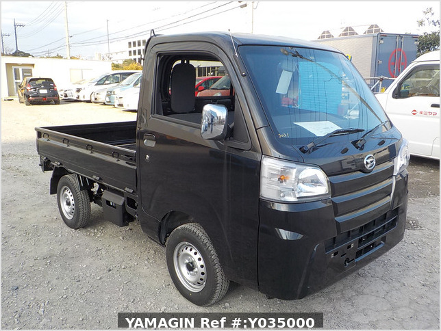 It is a picture of the black daihatsu hijet  truck in 2020,Sub Photo 0 Stock No.Y035000