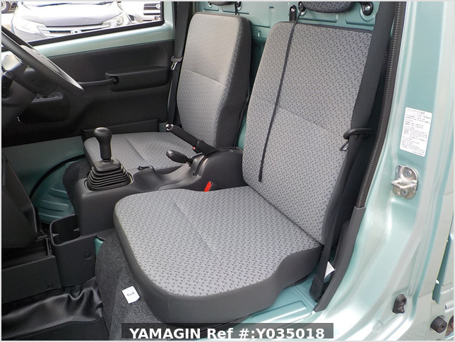 It is a picture of the green suzuki carry truck in 2019,Sub Photo 12 Stock No.Y035018
