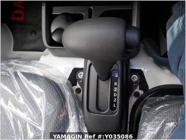 It is a picture of the white daihatsu hijet truck in 2020,Sub Photo 9 Stock No.Y035086
