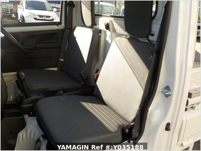 It is a picture of the white daihatsu hijet truck in 2020,Sub Photo 10 Stock No.Y035188