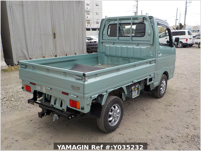 It is a picture of the green  suzuki carry truck in 2016,Sub Photo 2 Stock No.Y035232