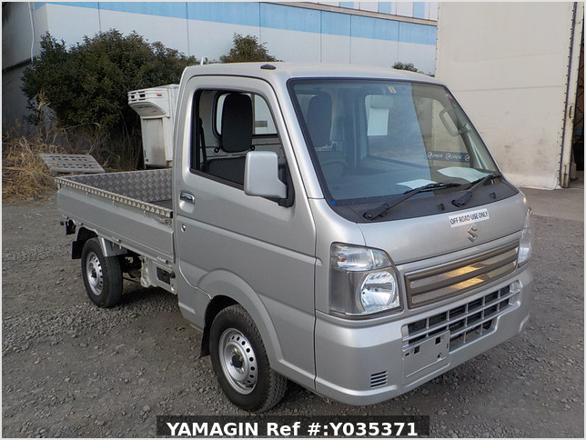 It is a picture of the silver suzuki carry truck in 2018,Sub Photo 0 Stock No.Y035371