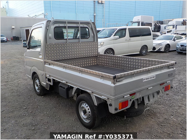 It is a picture of the silver suzuki carry truck in 2018,Sub Photo 3 Stock No.Y035371