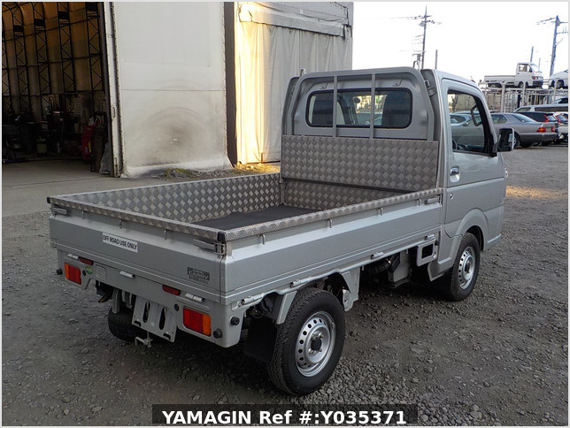 It is a picture of the silver suzuki carry truck in 2018,Sub Photo 2 Stock No.Y035371