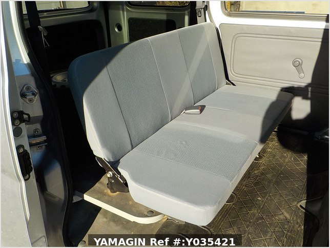 It is a picture of the silver daihatsu hijet passenger van in 2015,Sub Photo 14 Stock No.Y035421