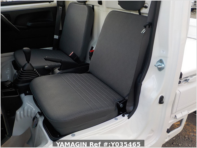 It is a picture of the white daihatsu hijet truck in 2020,Sub Photo 13 Stock No.Y035465