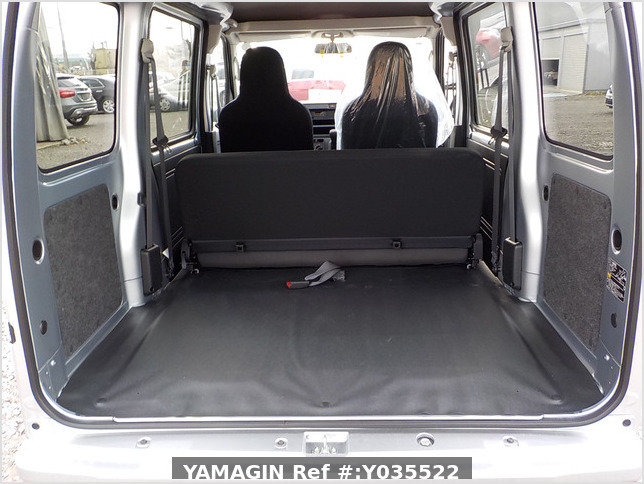 It is a picture of the silver daihatsu hijet passenger van in 2020,Sub Photo 5 Stock No.Y035522