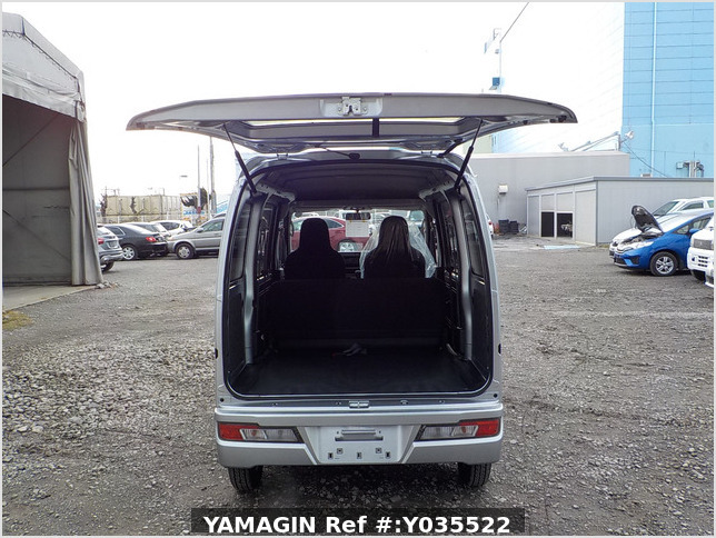 It is a picture of the silver daihatsu hijet passenger van in 2020,Sub Photo 4 Stock No.Y035522