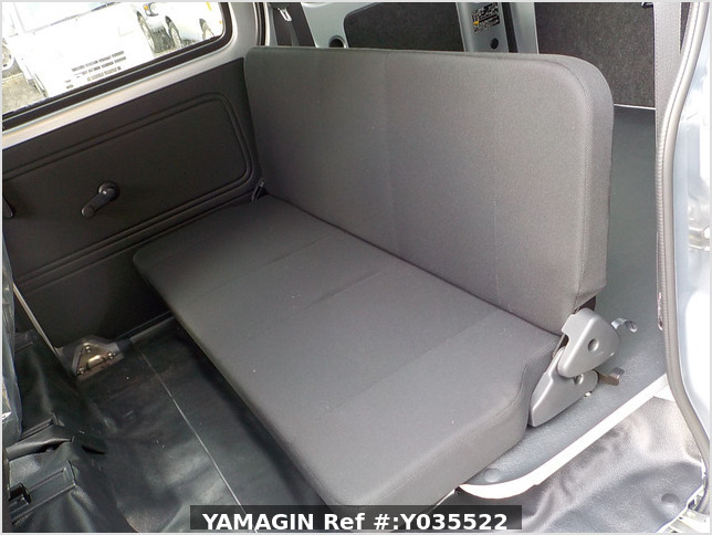 It is a picture of the silver daihatsu hijet passenger van in 2020,Sub Photo 15 Stock No.Y035522