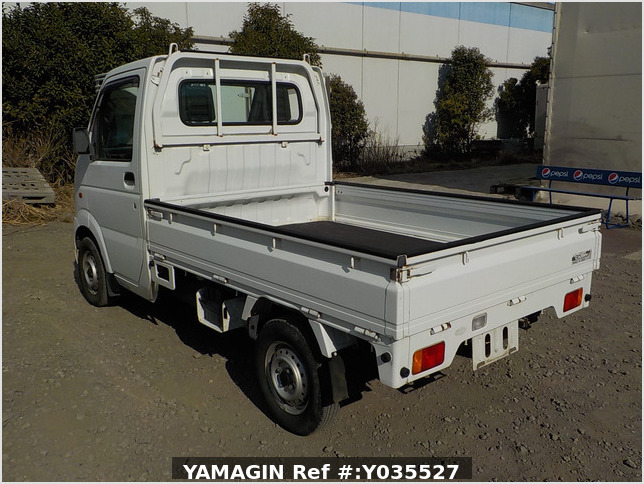 It is a picture of the white suzuki carry truck in 2003,Sub Photo 3 Stock No.Y035527