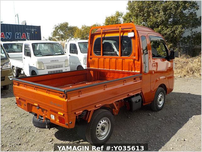 It is a picture of the orange daihatsu hijet jumbo in 2021,Sub Photo 2 Stock No.Y035613