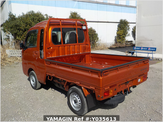 It is a picture of the orange daihatsu hijet jumbo in 2021,Sub Photo 3 Stock No.Y035613