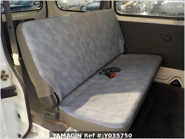It is a picture of the white suzuki every passenger van in 2003,Sub Photo 8 Stock No.Y035750