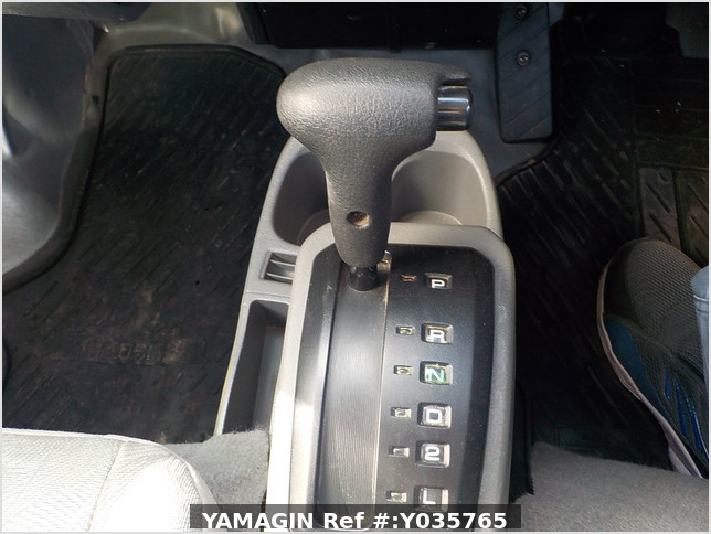 It is a picture of the silver mitsubishi minicab passenger van in 2003,Sub Photo 8 Stock No.Y035765