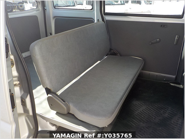 It is a picture of the silver mitsubishi minicab passenger van in 2003,Sub Photo 13 Stock No.Y035765