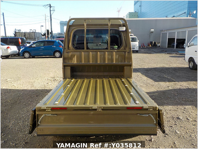 It is a picture of the khaki daihatsu hijet truck in 2020,Sub Photo 4 Stock No.Y035812