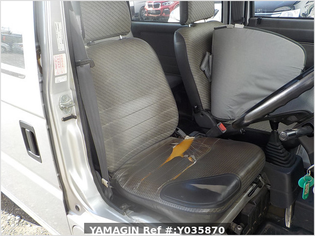 It is a picture of the silver honda acty passenger van in 1993,Sub Photo 6 Stock No.Y035870