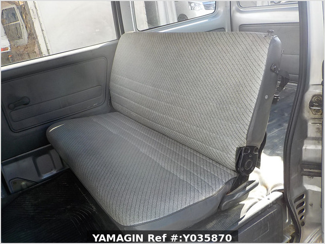 It is a picture of the silver honda acty passenger van in 1993,Sub Photo 8 Stock No.Y035870