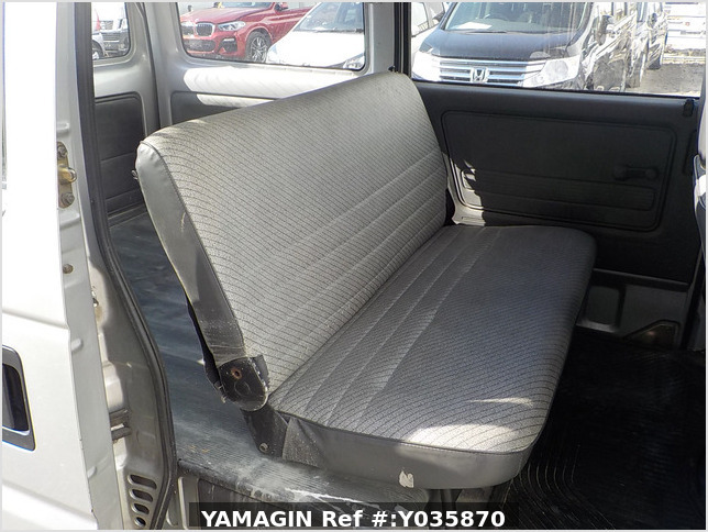 It is a picture of the silver honda acty passenger van in 1993,Sub Photo 9 Stock No.Y035870