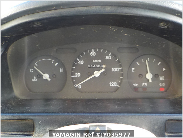 It is a picture of the white suzuki carry truck in 1995,Sub Photo 9 Stock No.Y035977