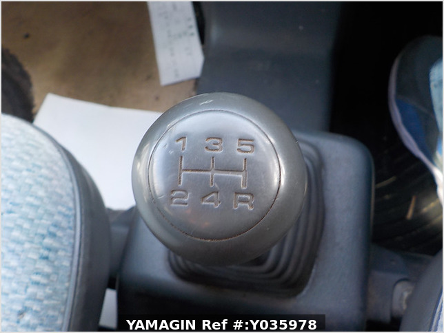 It is a picture of the grey honda acty passenger van in 1996,Sub Photo 10 Stock No.Y035978