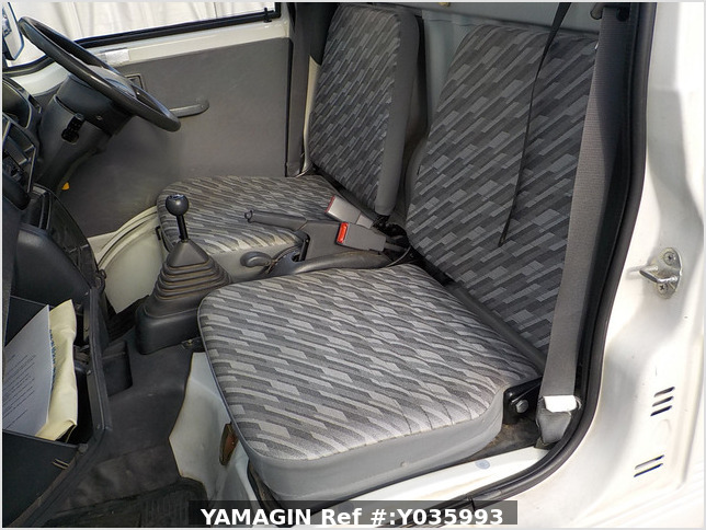 It is a picture of the white daihatsu hijet truck in 2003,Sub Photo 8 Stock No.Y035993