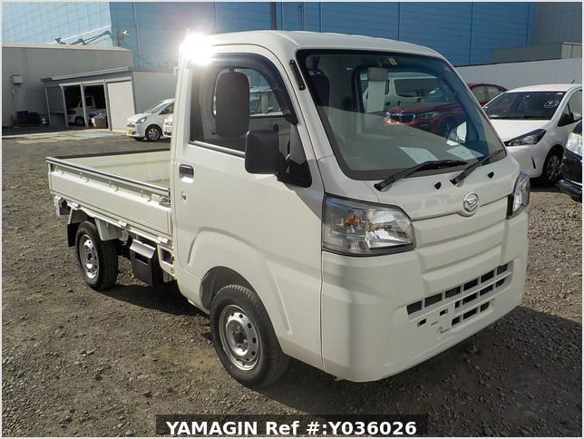 It is a picture of the white daihatsu hijet truck in 2015,Sub Photo 0 Stock No.Y036026