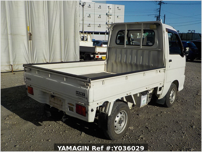 It is a picture of the white daihatsu hijet truck in 2003,Sub Photo 2 Stock No.Y036029