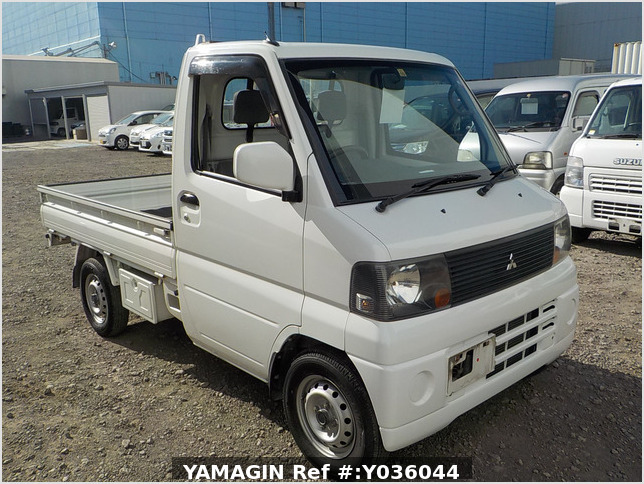 It is a picture of the white mitsubishi minicab truck in 2005,Sub Photo 0 Stock No.Y036044
