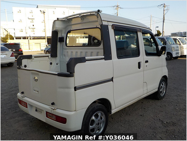 It is a picture of the white daihatsu hijet deck van in 2009,Sub Photo 2 Stock No.Y036046