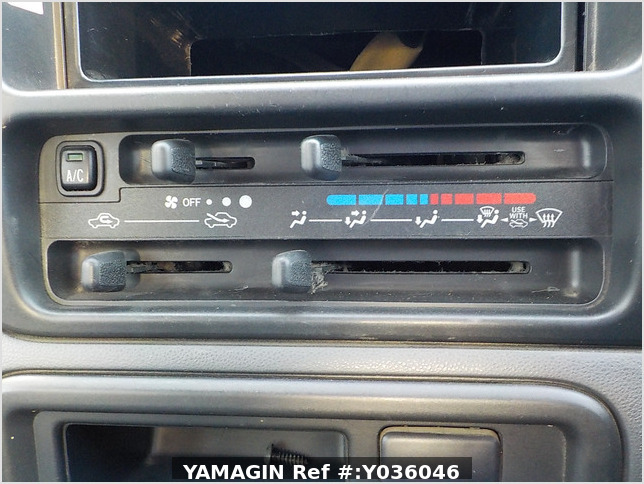 It is a picture of the white daihatsu hijet deck van in 2009,Sub Photo 7 Stock No.Y036046