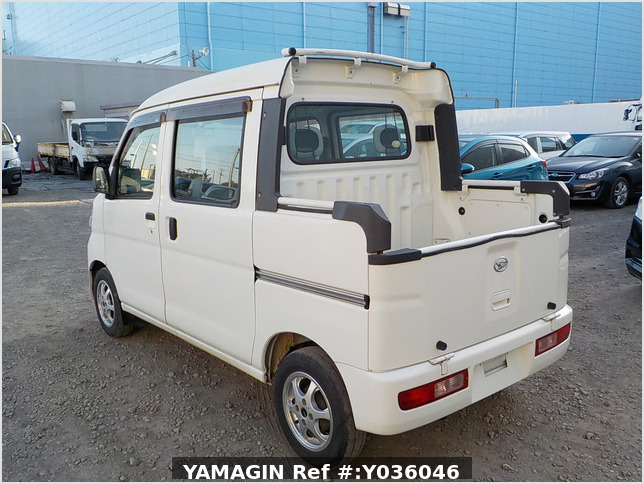It is a picture of the white daihatsu hijet deck van in 2009,Sub Photo 3 Stock No.Y036046