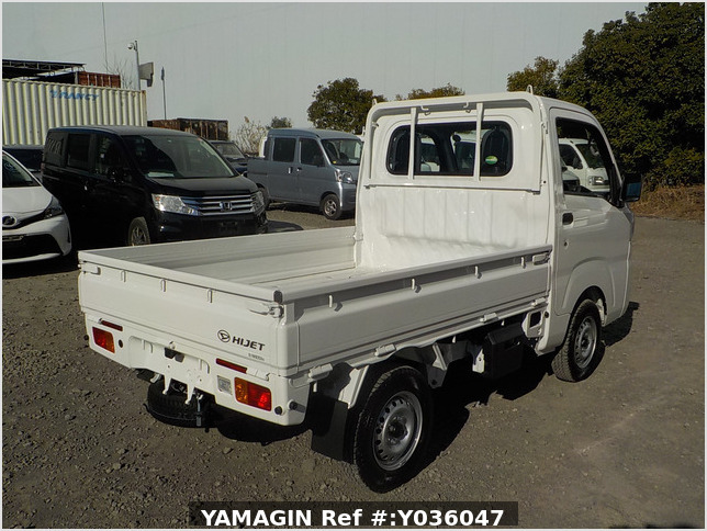 It is a picture of the white daihatsu hijet truck in 2020,Sub Photo 2 Stock No.Y036047