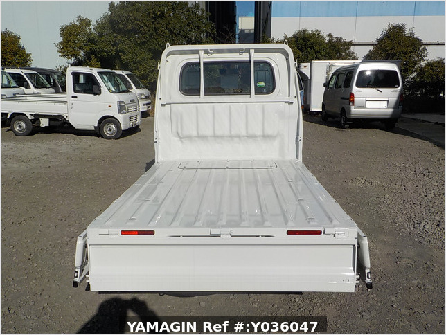 It is a picture of the white daihatsu hijet truck in 2020,Sub Photo 4 Stock No.Y036047