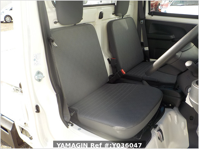 It is a picture of the white daihatsu hijet truck in 2020,Sub Photo 7 Stock No.Y036047