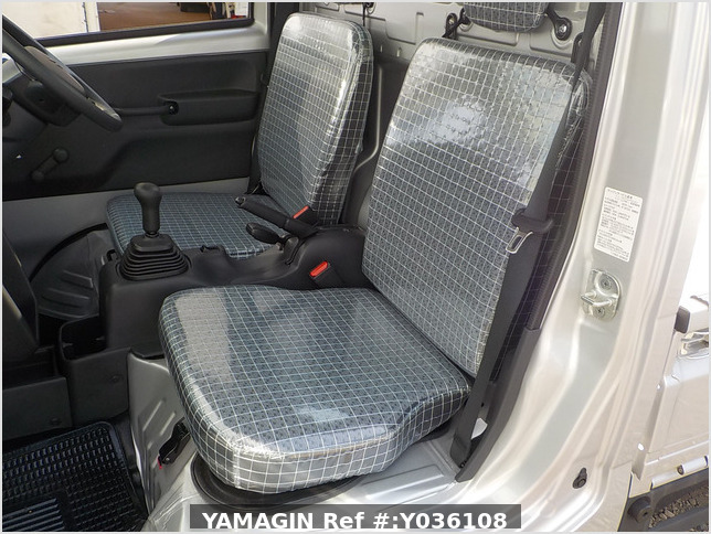 It is a picture of the silver suzuki carry truck in 2020,Sub Photo 12 Stock No.Y036108