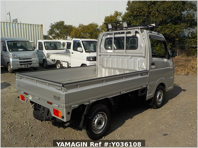It is a picture of the silver suzuki carry truck in 2020,Sub Photo 2 Stock No.Y036108