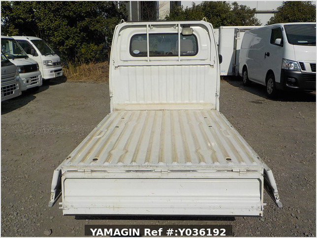 It is a picture of the white nissan clipper truck in 2006,Sub Photo 4 Stock No.Y036192