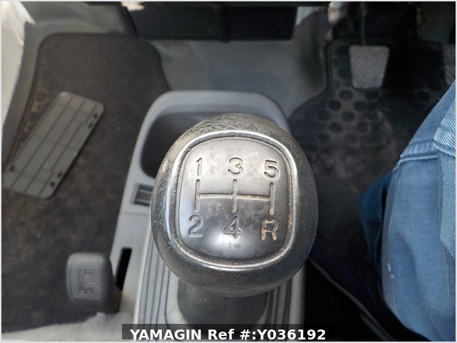 It is a picture of the white nissan clipper truck in 2006,Sub Photo 12 Stock No.Y036192