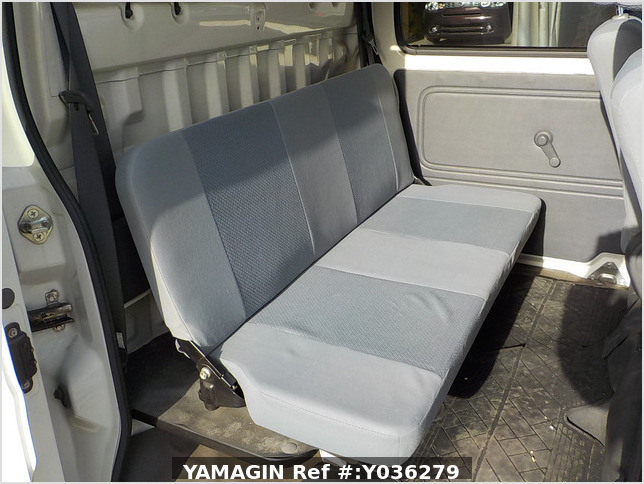 It is a picture of the white daihatsu hijet deck van in 2008,Sub Photo 11 Stock No.Y036279