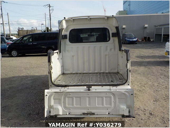 It is a picture of the white daihatsu hijet deck van in 2008,Sub Photo 4 Stock No.Y036279