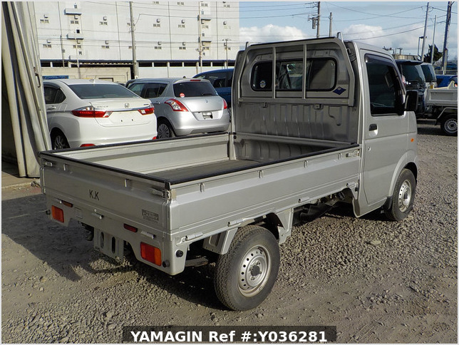 It is a picture of the silver suzuki carry truck in 2013,Sub Photo 2 Stock No.Y036281
