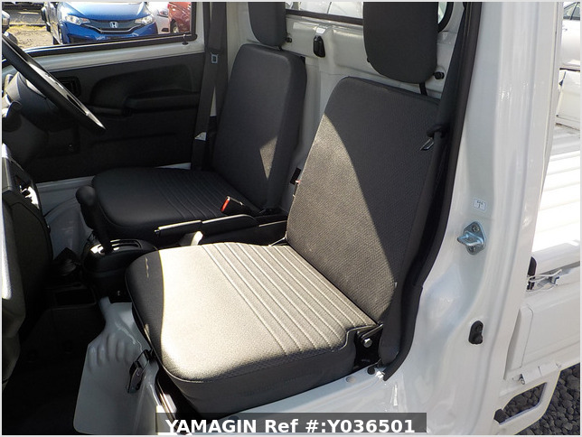 It is a picture of the white daihatsu hijet  truck in 2020,Sub Photo 11 Stock No.Y036501