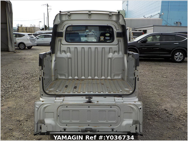 It is a picture of the silver daihatsu hijet  deck van in 2006,Sub Photo 4 Stock No.Y036734